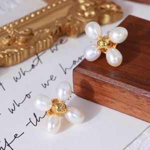 Tory Burch Natural Pearls Four-Leaf Clover Earring